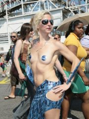 Sexy Women showing Decorated Tits and Bodies at the 2008 Mermaid Parade